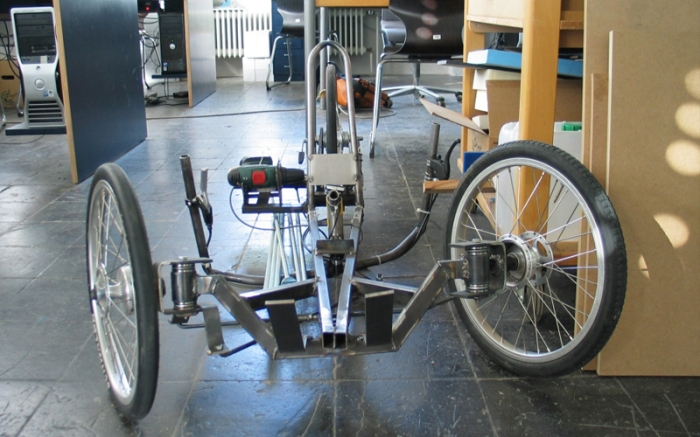 electric screwdriver powered trike frame