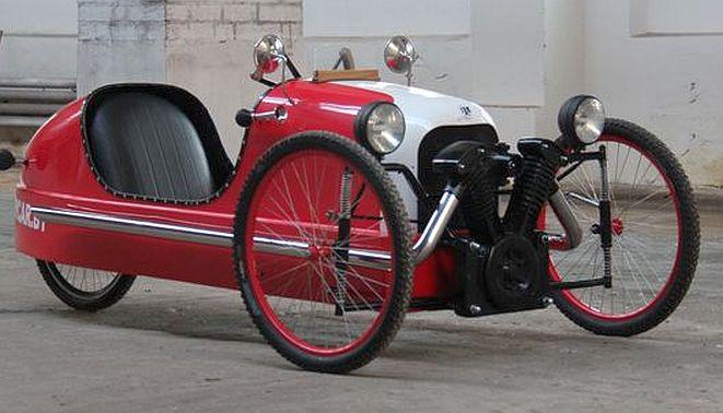 Picar, a recumbent pedal car
