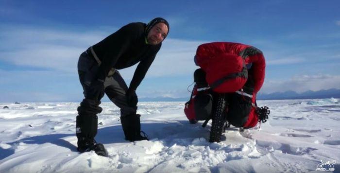 Azub FAT trike on frozen lake 2