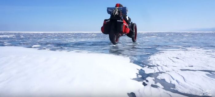 Azub FAT trike on frozen lake 25