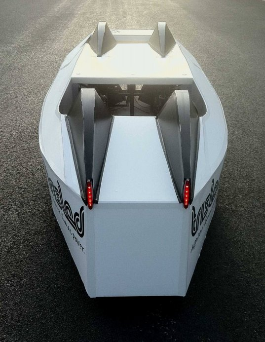 4 seat Trisled velomobile rear view
