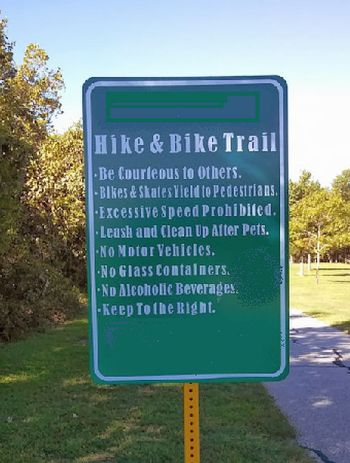 Trail Rules sign 2