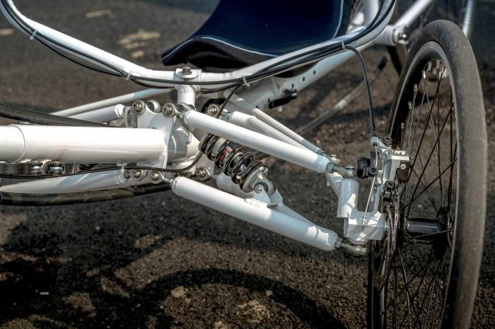 Comfort Trike white front suspension 2
