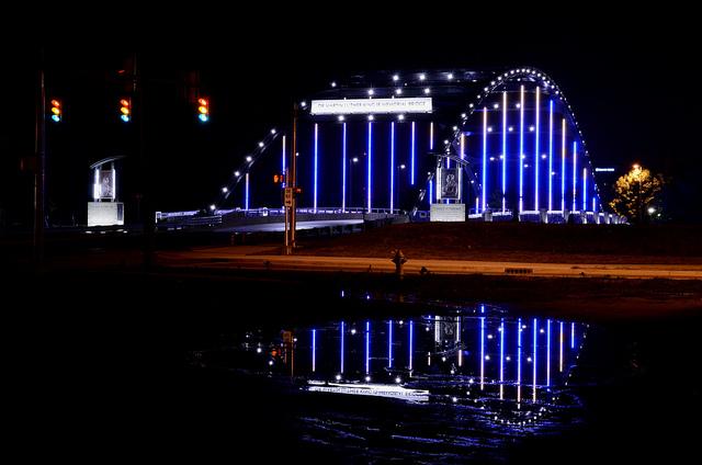 mlk-bridge-at-night