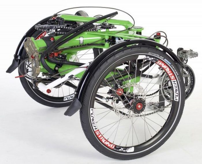 chain-tube-on-folded-trike