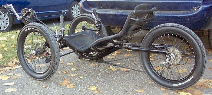 20-x-3-inch-tires-on-tadpole-trike-2